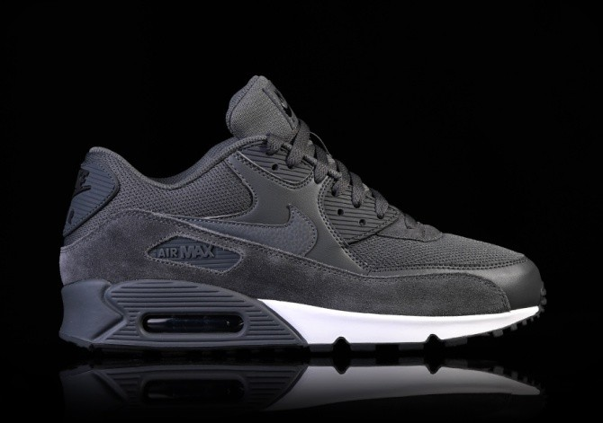watch 0b4dc a0cac NIKE AIR MAX 90 ESSENTIAL DARK GREY pour €122,50 ...