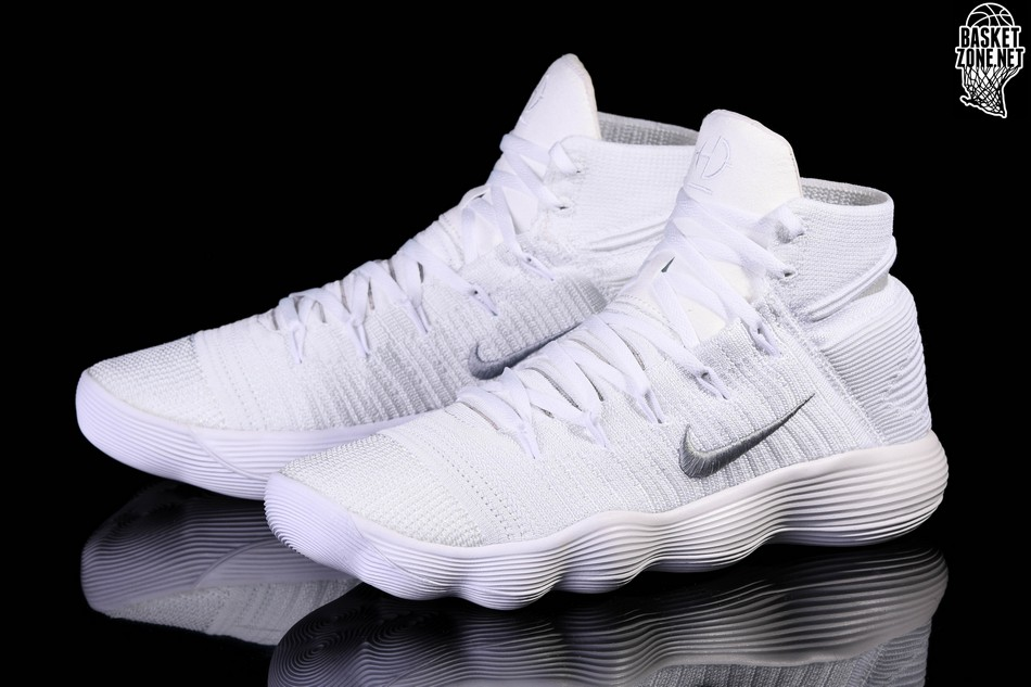 100% authentic 7a629 50d55 ... low with premium materials. nike hyperdunk 2017