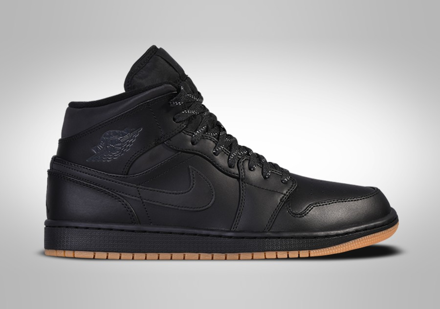 detailed look 387e1 5880d NIKE AIR JORDAN 1 RETRO MID WINTERIZED BLACK