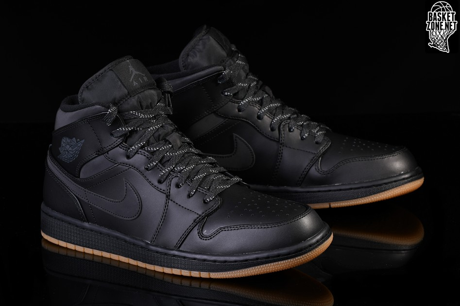 NIKE AIR JORDAN 1 RETRO MID WINTERIZED BLACK. AA3992-002 c96d607a3