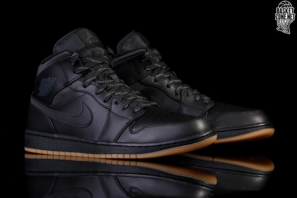 detailed look 54f04 36730 NIKE AIR JORDAN 1 RETRO MID WINTERIZED BLACK