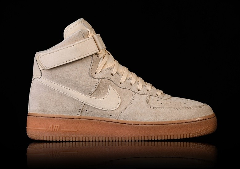 NIKE AIR FORCE 1 HIGH '07 LV8 SUEDE MUSLIN price ?97.50