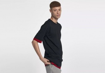 NIKE AIR JORDAN SPORTSWEAR TECH SHORT-SLEEVE TOP BLACK