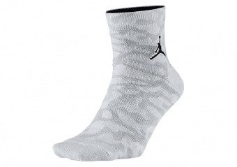 NIKE AIR JORDAN ELEPHANT QUARTER SOCKS WHITE