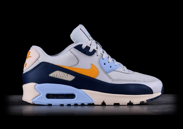 low priced a7f33 8d7f9 NIKE AIR MAX 90 ESSENTIAL PURE PLATINUM per €122,50 | Basketzone.net