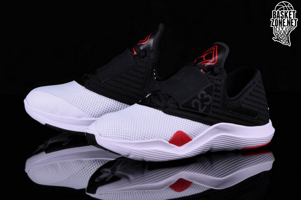 b52bdb7c9f4e NIKE AIR JORDAN RELENTLESS BLACK RED WHITE price €75.00