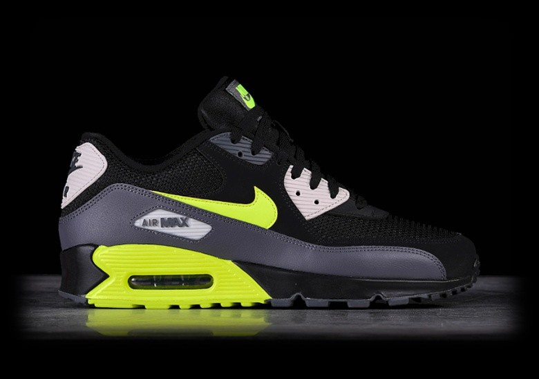 outlet store 28f5d 43a4c NIKE AIR MAX 90 ESSENTIAL BLACK VOLT