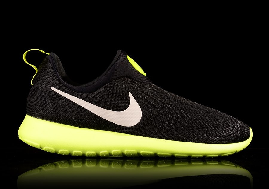 NIKE ROSHERUN SLIP ON BLACK VOLT
