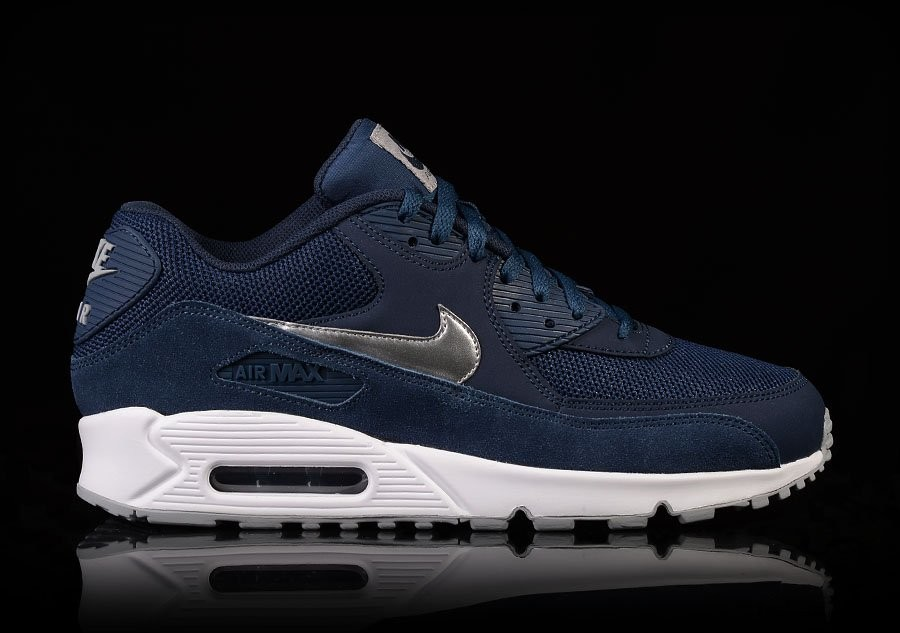 NIKE AIR MAX 90 ESSENTIAL MIDNIGHT NAVY pour €112,50   Basketzone.net b96877c02484
